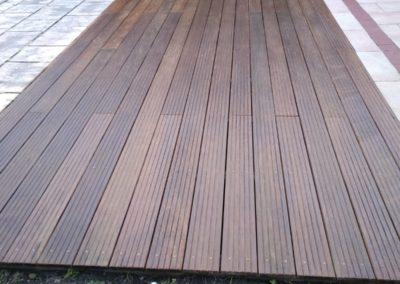 Nettoyage et embellissement terrasse bois